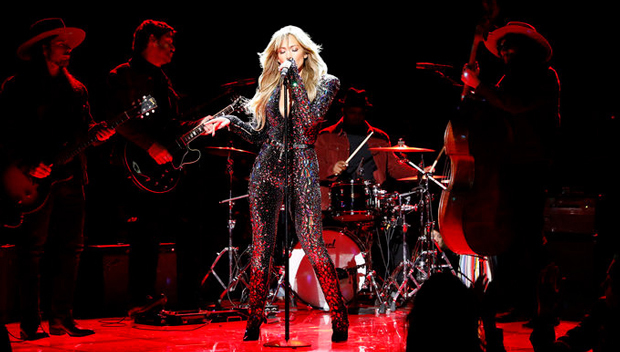 Jennifer Lopez Tribute To The King of Rock, Elvis Presley