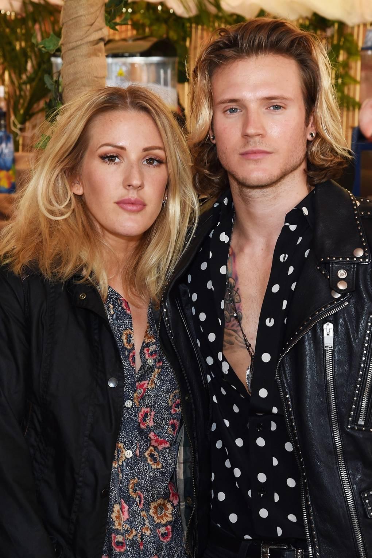 är Ellie Goulding dating någon 2013 dating bedragare listor