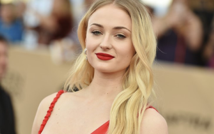 Winter May Have Come And Gone But Sophie Turner Is Ushering In Spring With Her Bright Makeup