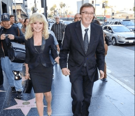 Loni Anderson and Bob Flick married.