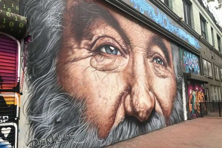 The mural of Robin Williams on a wall before it was taken down.