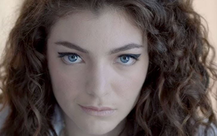 Lorde Wrote an Emotional Letter After her Dog Died