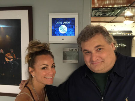 Artie Lange was in a relationship with his girlfriend Adrienne Ockrymiek.