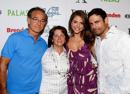 Undergaro with Menounos and her parents.