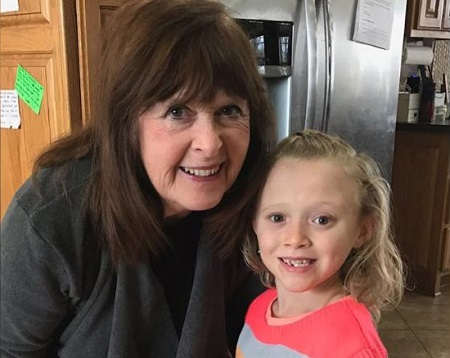 Mary Duggar with one of her great-granddaughters.