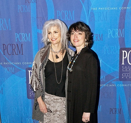 Emmylou Harris and daughter Hallie Slocum pose for photos before the Art of Compassion Gala sponsored by the Physicians Committee for Responsible Medicine (PCRM) on April 16, 2005 in Washington, D.C.. PCRM promotes good nutrition and alternatives to animal research.