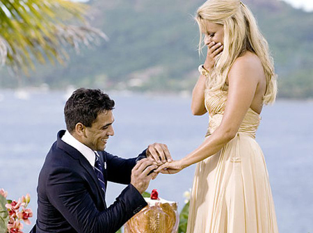 Ali Fedotowsky getting engaged in the bachelorette.