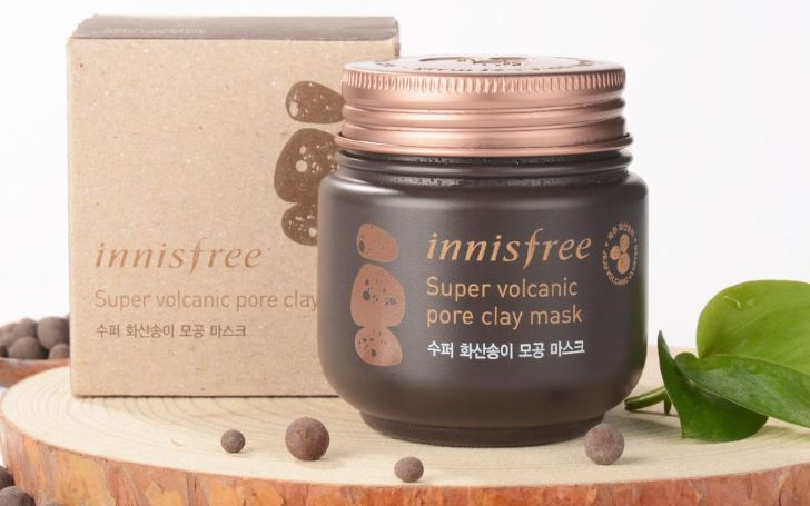 Apparently There's A Clay Mask That 'Clears Acne Overnight'