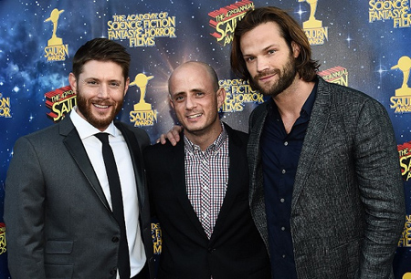 Eric Kripke with Jared Padalecki and Jensen Ackles.