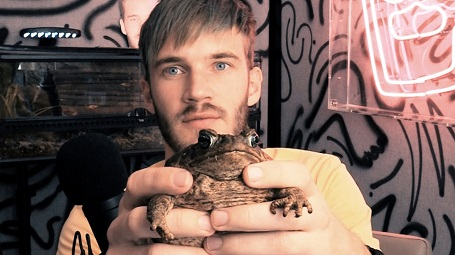 PewDiePie owned a crane toad named Slippy.