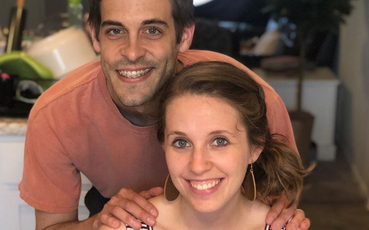 Jill Duggar Dillard Promotes Another Sex Book Titled 'Bedroom Games and Sexy Activities' Which Is Bound To Add Excitement To Your Sex Life!
