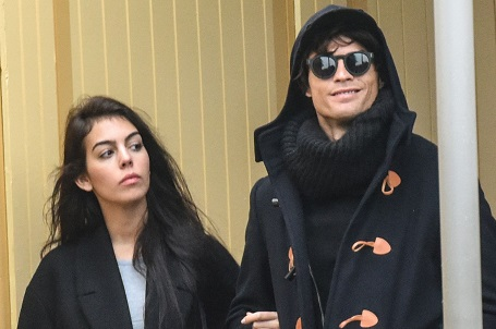 Ronaldo put on an absurd disguise on a date with Gio back in 2016.