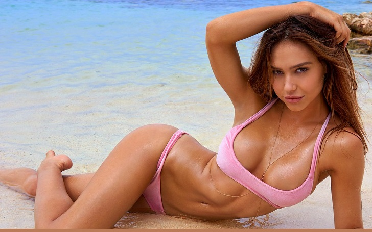 Alexis Ren Is The August Cover Star Of Modeliste Magazine