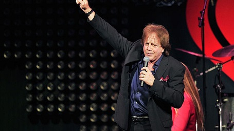 SAN JOSE, CA - JANUARY 28: Musician Eddie Money performs on stage during the iHeart80s Party 2017 at SAP Center on January 28, 2017 in San Jose, California.
