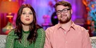 Counting On - Amy Duggar Claps Back at Fans Who Claim Her Sunglasses Look Photoshopped