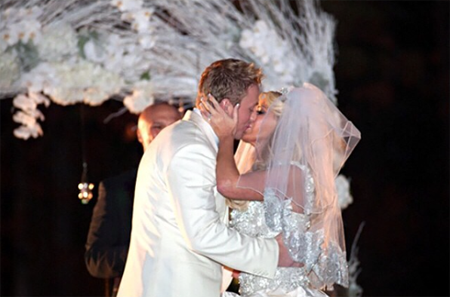Kim and Kroy get married,