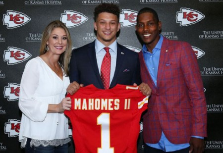 On left, Patrick's mother, Randi Martin and on right, Mahomes' father, Patrick Mahomes Sr.