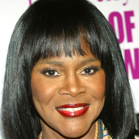 Cicely Tyson poses a picture.