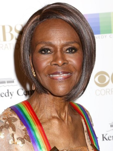 Cicely Tyson poses a picture at an event.