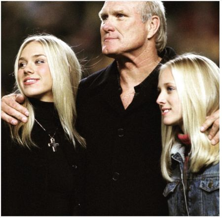 Terry Bradshaw with his daughters Rachel and Erin Bradshaw.