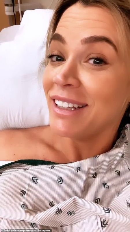 Teddi in the hospital while giving birth
