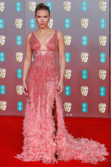 scarlet johannson in frilly pink gown