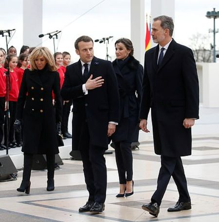 The King and Queen of Spain and President of France and his wife had a short encounter.