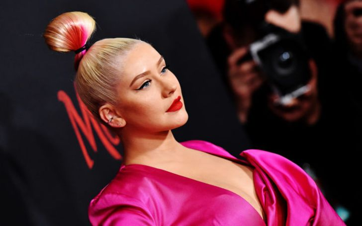 Christina Aguilera Plays 'Genie In A Bottle' During self-Quarantine