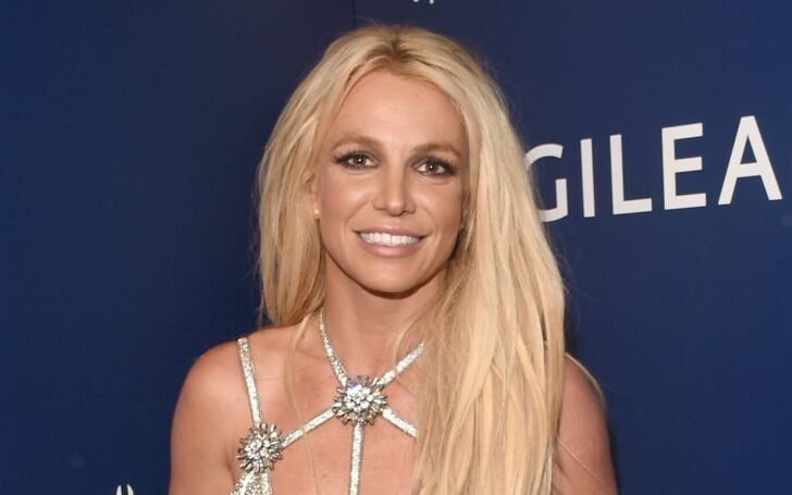 Britney Spears Invites Fans to Message her Amid Coronavirus Pandemic
