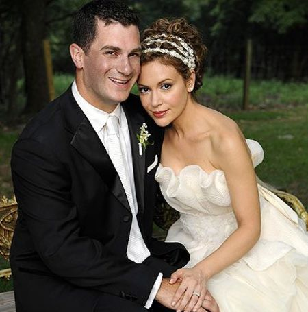 Dave Bugliari is the second husband of the actress Milano.