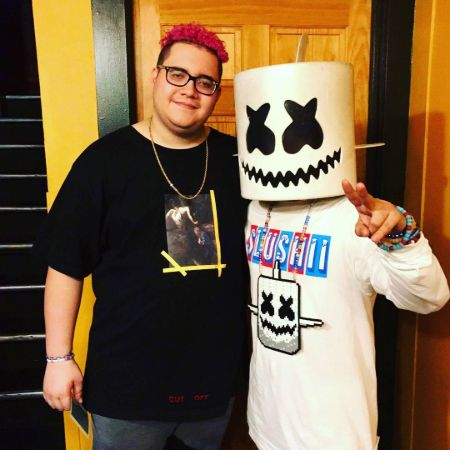 Slushii is associated with top-notch artists like Skrillex, Marshmello, Jauz, and many more.