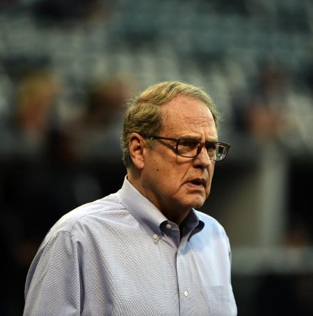 The billionaire Jerry Reinsdorf is the owner Chicago Bulls and White Sox.