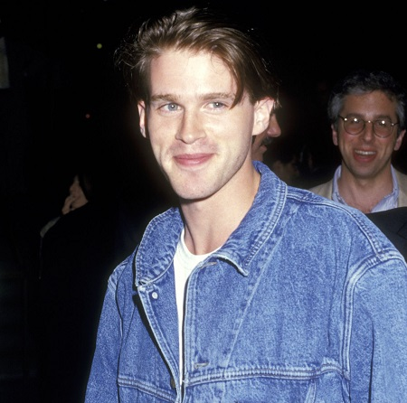 Actor Cary Elwes attends the 'Film Society of Lincoln Center's American Premiers of 'Jean de Florette' and 'Manon des sources'' on June 22, 1987, at Alice Tully Hall at Lincoln Center in New York City, New York.