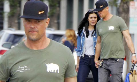 Audra Mari and her boyfriend Josh Duhamel poses a picture.