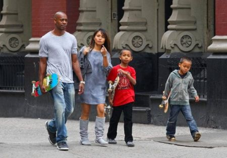 Dave spotted with family rocking streetstyle