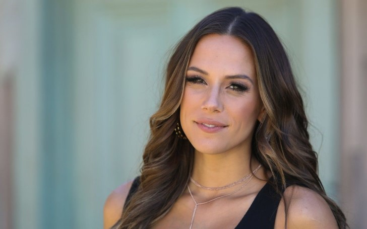 Jana Kramer Slams Body Shamers After Two Weeks of Giving Birth