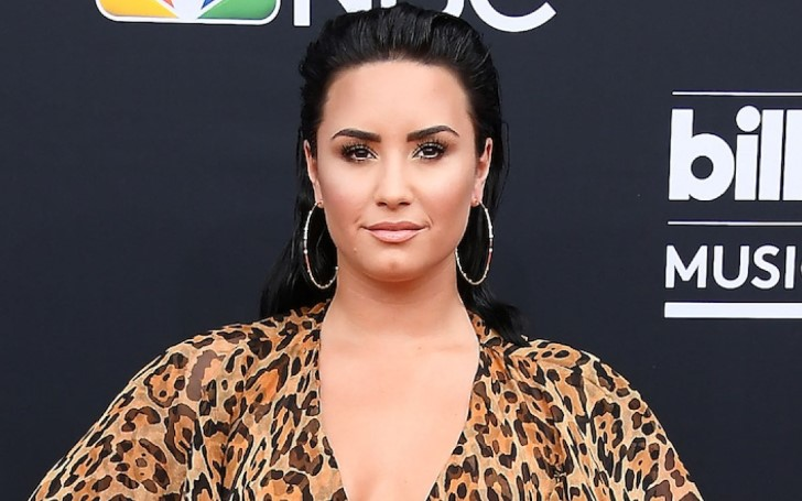 Demi Lovato and New Boyfriend Henry Levy Confirmed Their Relationship With Sweet Kiss