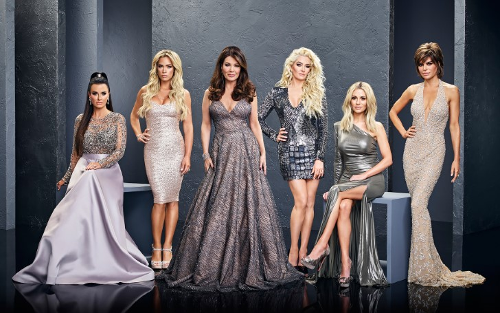 The Real Reason Lisa Vanderpump Is Feuding With The RHOBH Cast Finally Revealed