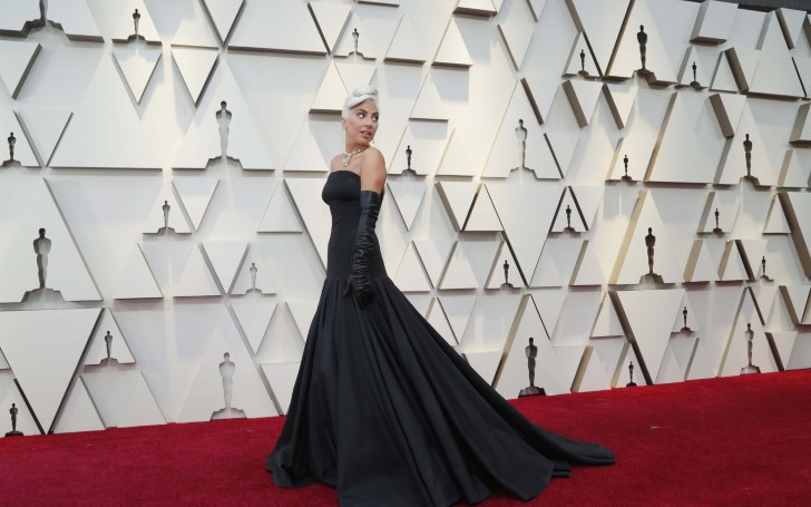 Red, Pink and Oscar Gold Overran the Academy Awards Red Carpet