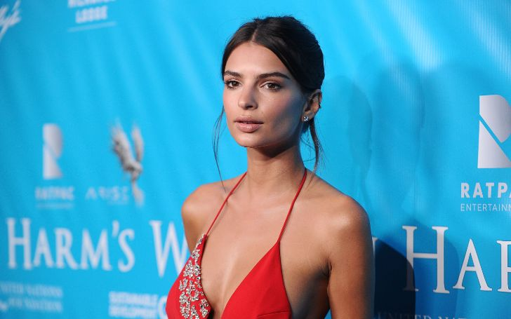 Emily Ratajkowski Looks Super Hot In The Tiniest Thong Bikini Ever