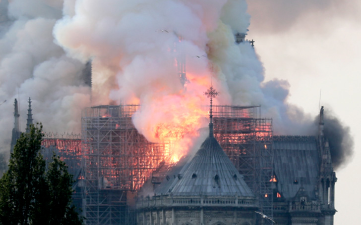Mum Who Took Selfie In Front Of Notre Dame Had No Idea It Was On Fire