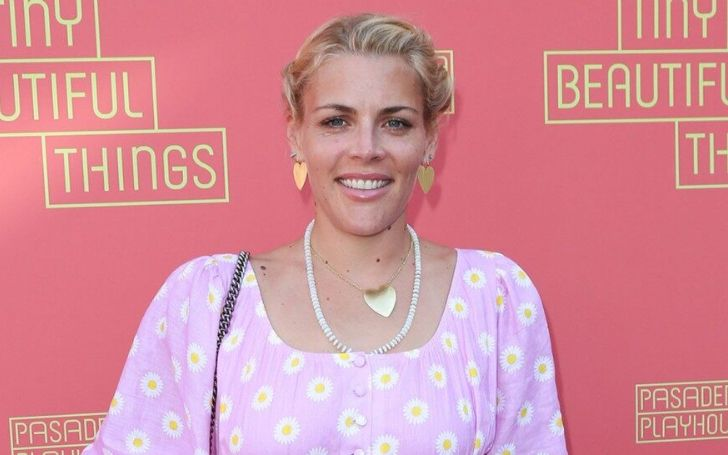 Actress Busy Philipps Tearfuly Opens Up About Abortion at the age of 15