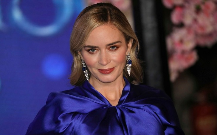 Emily Blunt Looks Stunning For The UK Premiere of Mary Poppins Returns
