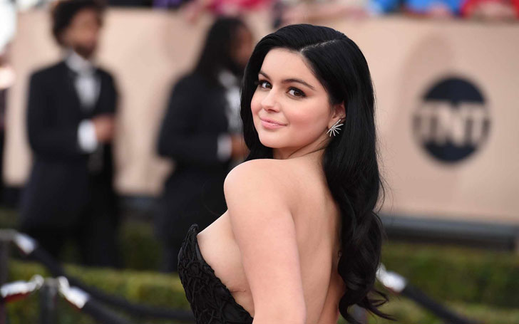 Ariel Winter Shows Off her Cleavage in White Blazer During Her Birthday Celebration