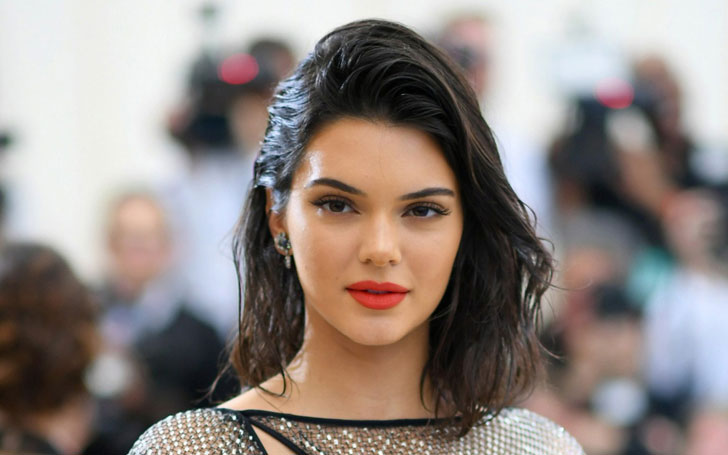 Kendall Jenner Changes Up Her Look Frequently For Fashion Shows,Kendall Jenner Hair Makeover And Hair Style