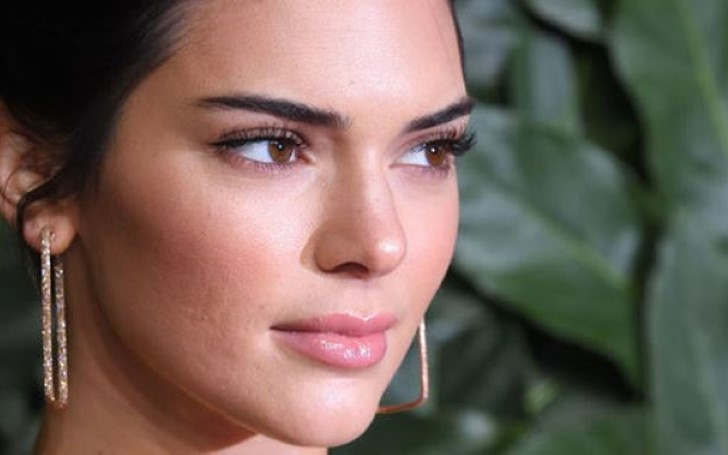 Kendall Jenner Has a New Pet! KUWTK Star Shares a Video on Instagram Showing a Snake Slithering in Her Hair