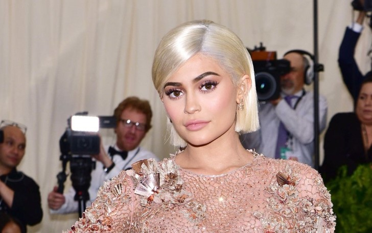 Billionaire Kylie Jenner Gets $100 Bills Painted On Her Nails and Fans are Definitely Loving It
