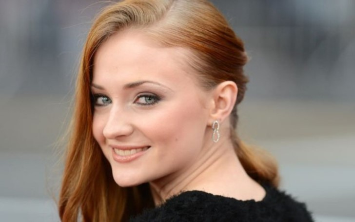 'Game of Thrones' Star Sophie Turner Already Told Her Friends The Ending