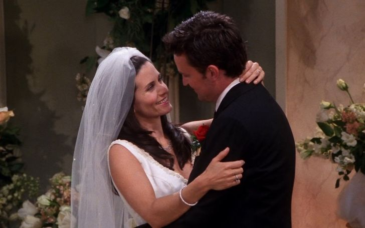 Eagle-Eyed Friends Fans Spot Huge Error In Chandler And Monica's Wedding