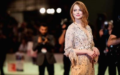 Emma Stone Suffers Shoulder Injury After 'Slipping on a Floor'